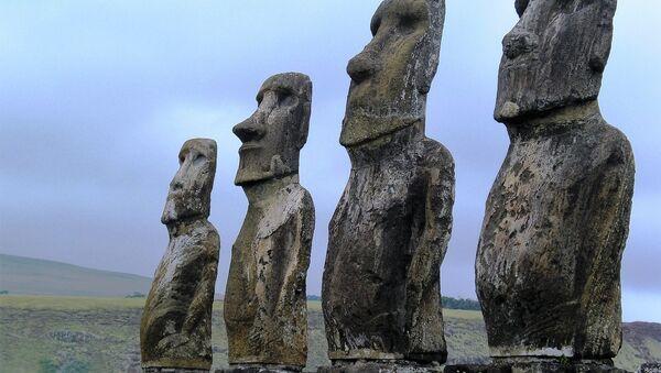 Moai statues on the Easter Island - Sputnik International