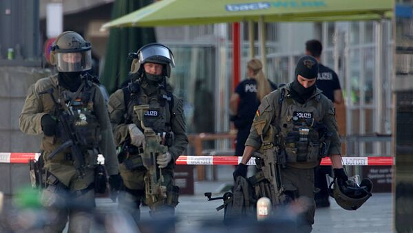 German Police Operate at the Site Where a Woman Was Held Hostage Allegedly By a Terrorist - Sputnik International