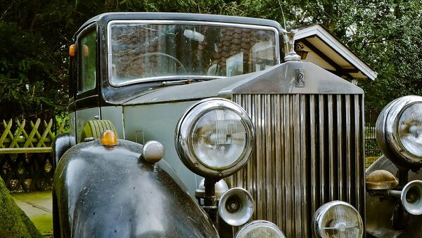 Vintage Rolls Royce Phantom - Sputnik International