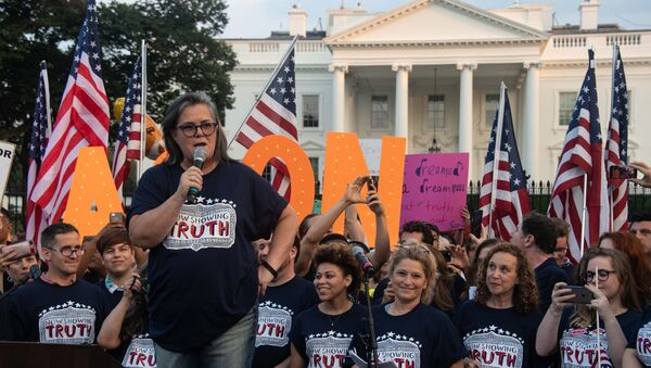 US comedian Rosie O'Donnell addresses a protest against US President Donald Trump in front of the White House in Washington, DC, on August 6, 2018. - Sputnik International
