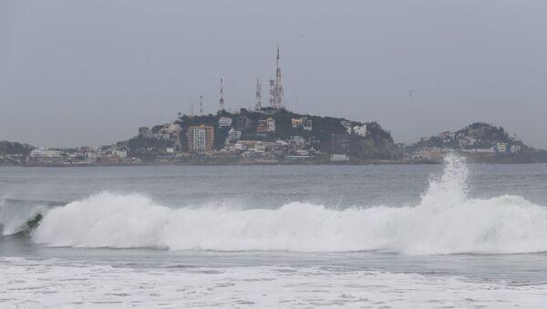 A general view shows the sea along the Mazatlan coast as Hurricane Willa approaches the Pacific beach resort - Sputnik International