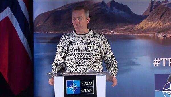 Norwegian Defence Minister Frank Bakke-Jensen at a NATO press conference. - Sputnik International