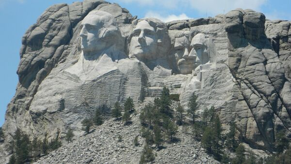 Mount Rushmore in South Dakota, which was carved into the Black Hills (Paha Sapa), considered sacred by the Lakota tribe - Sputnik International