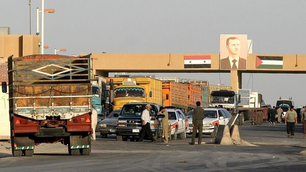 Cars wait at a checkpoint at the Syrian-Iraqi border, 270kms north-east of Damascus (File) - Sputnik International