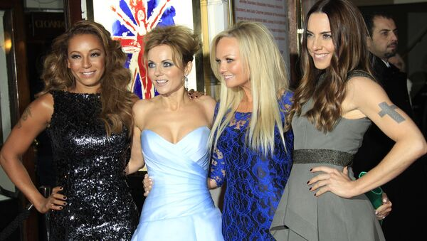 From left, Mel B, Geri Halliwell, Emma Bunton and Mel C arrive for Viva Forever! Press Night, a musical based on the songs of the Spice Girls, at the Piccadilly Theatre in central London, Tuesday, Dec. 11, 2012. - Sputnik International