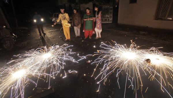 People let off fireworks to celebrate Diwali, the Hindu festival of lights, in Jammu India (File) - Sputnik International