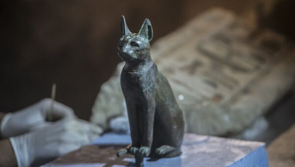Bronze Ancient Egyptian Sitting Cat Statue - Sputnik International