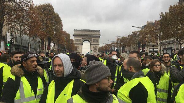 Yellow Vests protests against rising fuel prices began in France - Sputnik International