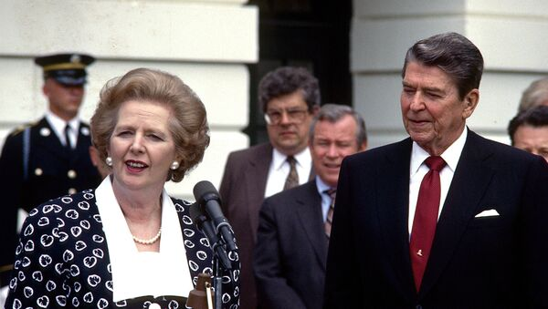 In a Friday, July 17, 1987 file photo, Prime Minister Margaret Thatcher of the United Kingdom, left, makes remarks after visiting United States President Ronald Reagan, right, at the White House in Washington, D.C. - Sputnik International