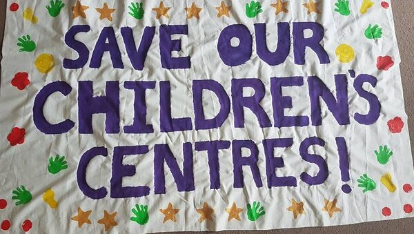 A national campaign has been set up in the UK to try and stop the closure of children's centres - Sputnik International