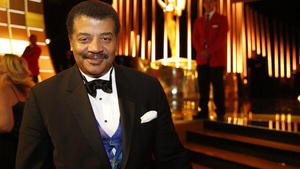 Neil deGrasse Tyson backstage at the Television Academy's Creative Arts Emmy Awards at Microsoft Theater on Saturday, Sept. 12, 2015, in Los Angeles - Sputnik International