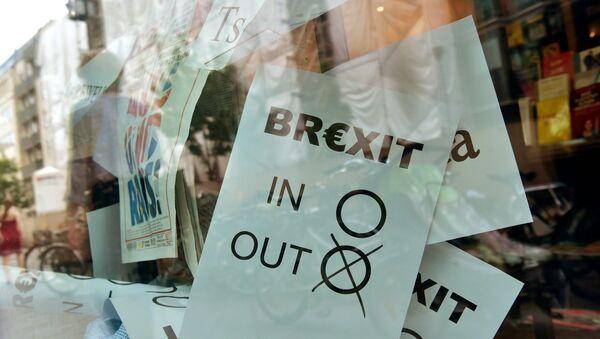 A poster featuring a Brexit vote ballot - Sputnik International