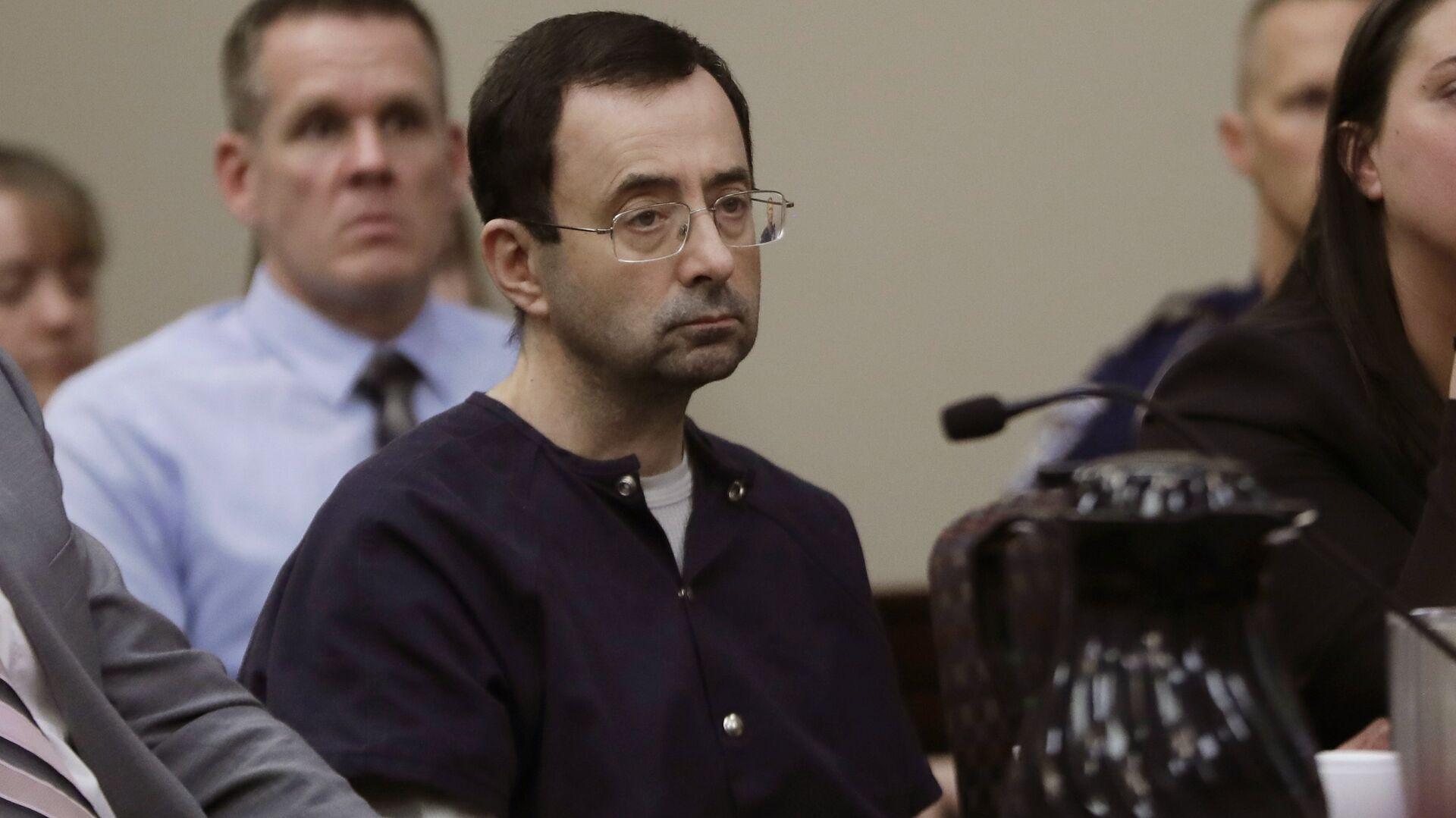 Larry Nassar sits during his sentencing hearing Wednesday, Jan. 24, 2018, in Lansing, Mich. - Sputnik International, 1920, 16.09.2021