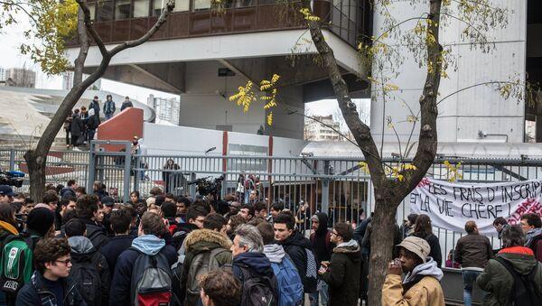 Protest action of students in Paris - Sputnik International