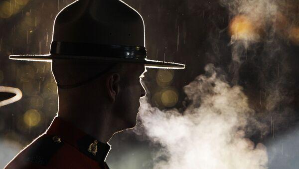 An officer of the Royal Canadian Mounted Police - Sputnik International