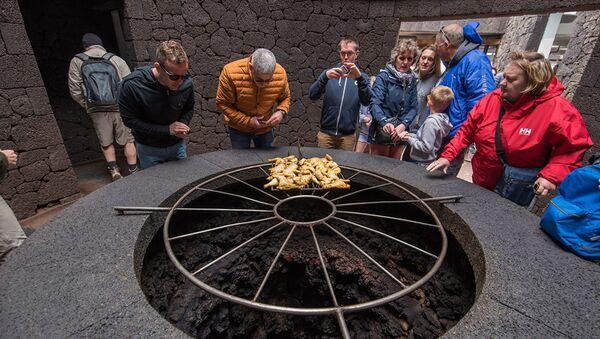 Volcanic Grill or Mountaintop Tea? A Tour of World's Most Exotic Restaurants - Sputnik International