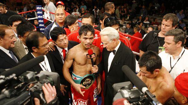 HBO's Larry Merchant interviews Manny Pacquiao after a fight - Sputnik International