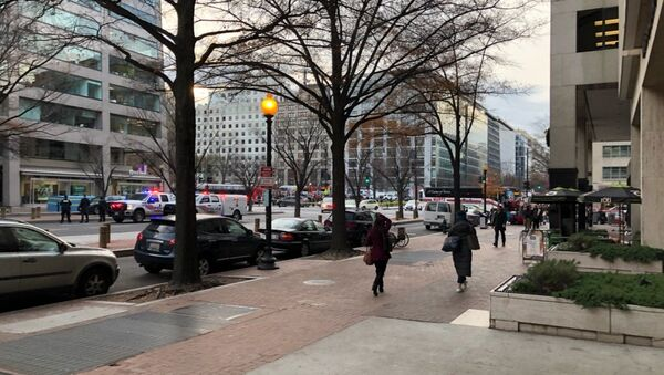 Police have blocked 16th St NW in Washington DC due to a bomb threat - Sputnik International