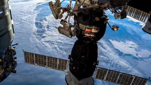 Spacewalk of Roskosmos cosmonauts Oleg Kononenko and Sergei Prokopyev. December 11, 2018 - Sputnik International