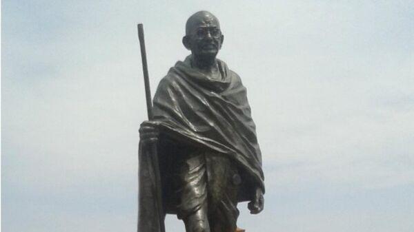 Mahatma Gandhi statue - Sputnik International