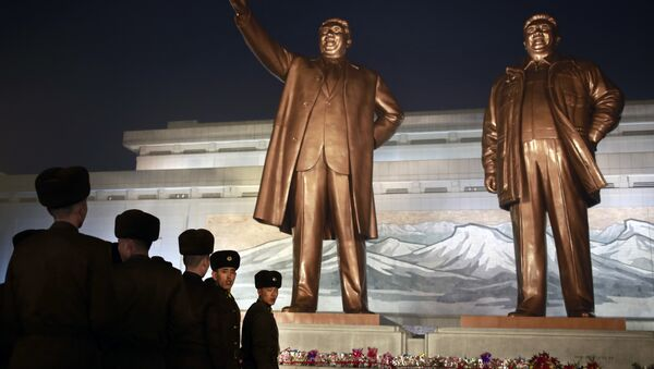 North Korean soldiers line up as they pay respect to the bronze statues of their late leaders Kim Il Sung and Kim Jong Il at Mansu Hill Grand Monument in Pyongyang, North Korea, Sunday, Dec. 16, 2018. Many North Koreans are marking the seventh anniversary of the death of leader Kim Jong Il with visits to the statues and vows of loyalty to his son, Kim Jong Un - Sputnik International