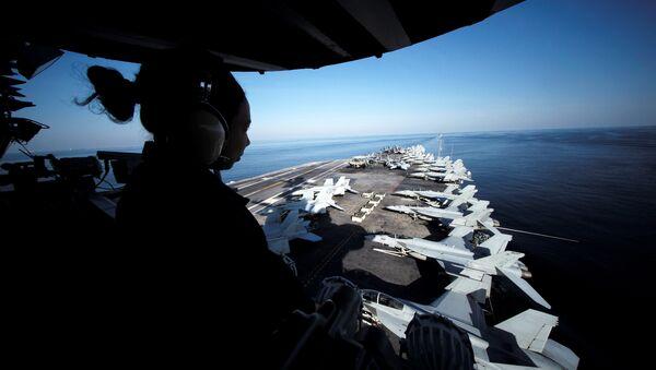 USS John C. Stennis makes its way to the Persian Gulf through the Strait of Hormuz - Sputnik International
