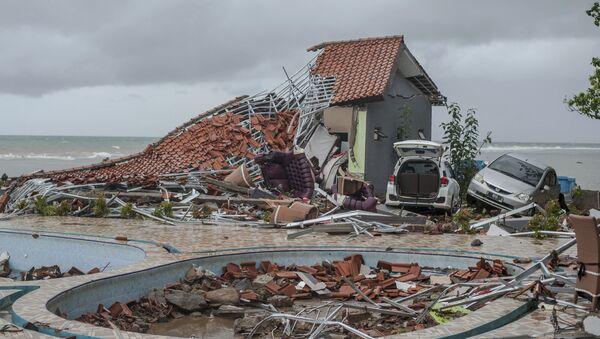 Las consecuencias del tsunami en Indonesia - Sputnik International