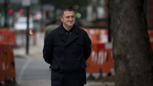 Tommy Robinson, the former leader of the right-wing EDL group, arrives for an appearance at Westminster Magistrates Court in London, Wednesday, Oct. 16, 2013 - Sputnik International