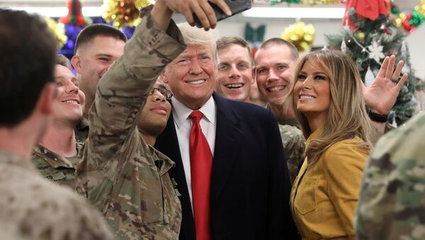 U.S. President Trump and the First Lady greet military personnel at the dining facility during an unannounced visit to Al Asad Air Base, Iraq - Sputnik International