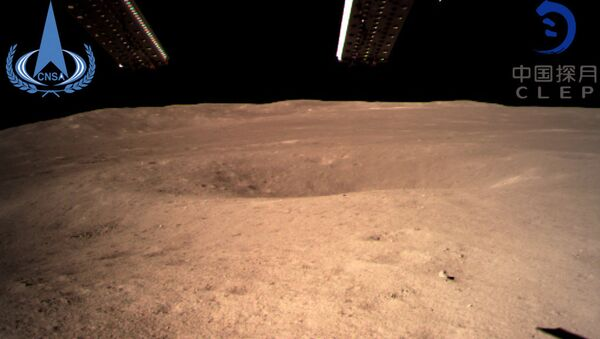 The first image of the moon's far side taken by China's Chang'e-4 probe - Sputnik International