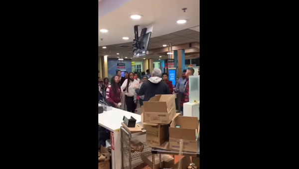 McDonald's restaurant in Moreno Valley, California, gets torn apart following confrontation between customers over the eatery's play area. - Sputnik International