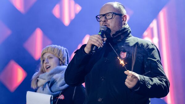 Gdansk's Mayor Pawel Adamowicz speaks during the 27th Grand Finale of the Great Orchestra of Christmas Charity in Gdansk, Poland January 13, 2019 - Sputnik International
