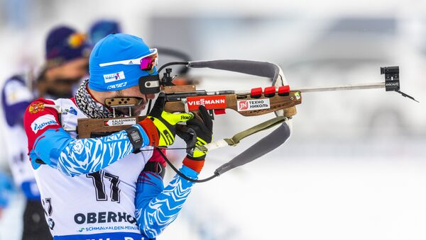 Alexander Loginov of Russia competes at the shooting range during the warm up prior to the men's 10 km sprint event of the IBU Biathlon World Cup in Oberhof, eastern Germany on January 11, 2019. - Sputnik International