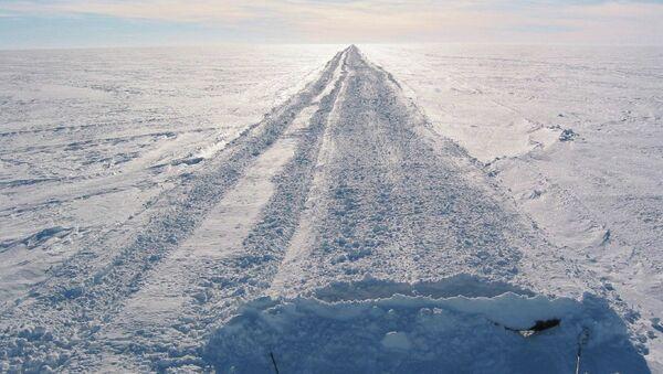 The ice highway at the Antarctica - Sputnik International