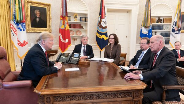 Donald Trump meeting with intelligence chiefs in the Oval Office - Sputnik International