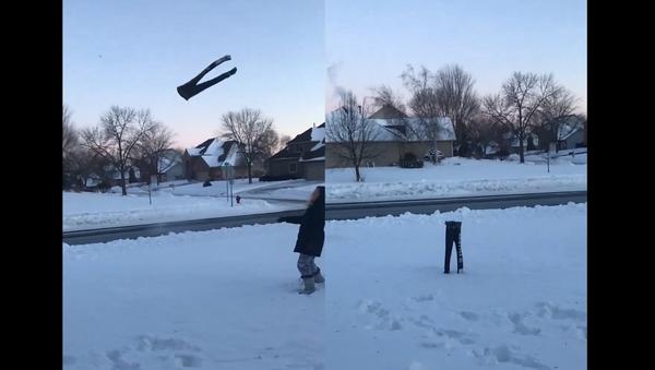 Polar Performance: Frozen Sweatpants Flip, Stick the Landing - Sputnik International