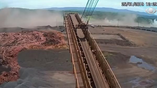 New footage shows the collapse of Brazil's Brumadinho dam - Sputnik International