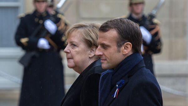 French President Emmanuel Macron and German Chancellor Angela Merkel - Sputnik International
