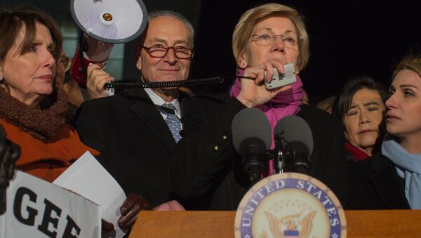 Elizabeth Warren - Sputnik International
