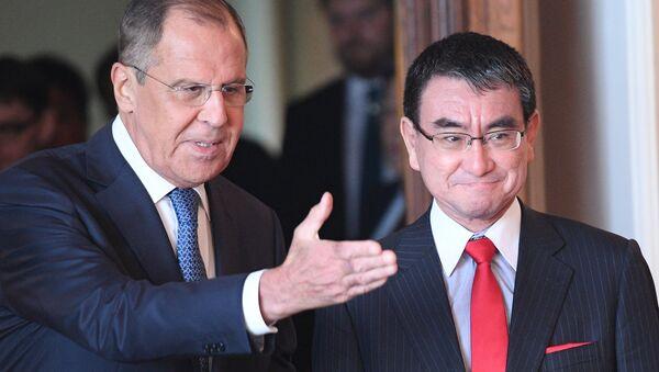 Russian Foreign Minister Sergei Lavrov Meets his Japanese counterpart Taro Kono - Sputnik International