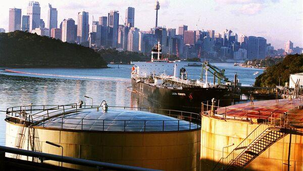 The Shell Oil terminal at Gore Cove in Sydney Harbor, Australia - Sputnik International