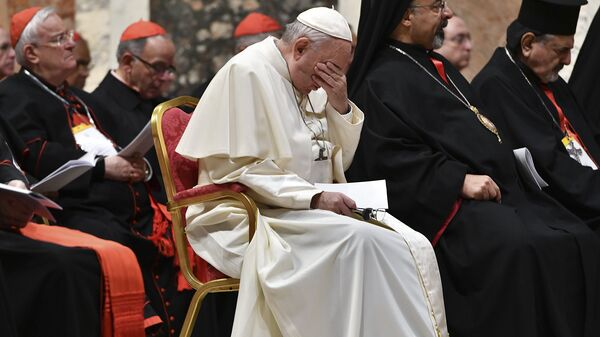 Pope Francis hosts a four-day summit on preventing clergy sexual abuse, a high-stakes meeting designed to impress on Catholic bishops around the world that the problem is global and that there are consequences if they cover it up - Sputnik International