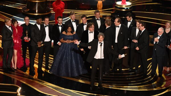 Producers of Best Picture nominee Green Book Peter Farrelly and Nick Vallelonga accepts the award for Best Picture with the whole crew on stage during the 91st Annual Academy Awards at the Dolby Theatre in Hollywood, California on February 24, 2019. - Sputnik International