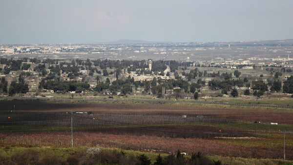 A general view of the Israeli-Syrian border is seen from the Israeli-occupied Golan Heights - Sputnik International