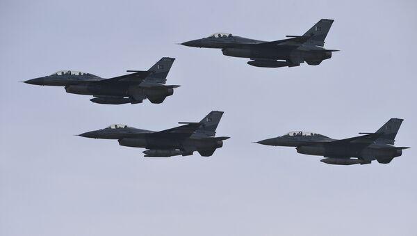 Pakistani F-16 fighter jets (File) - Sputnik International