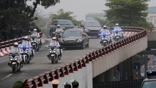 The motorcade of North Korea's leader Kim Jong Un travels enroute to his hotel, ahead of the North Korea-U.S. summit in Hanoi - Sputnik International