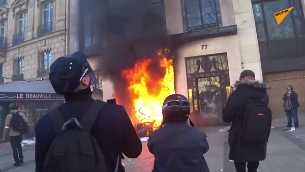 Act 18: Yellow Vests protest in Paris on 16 March - Sputnik International