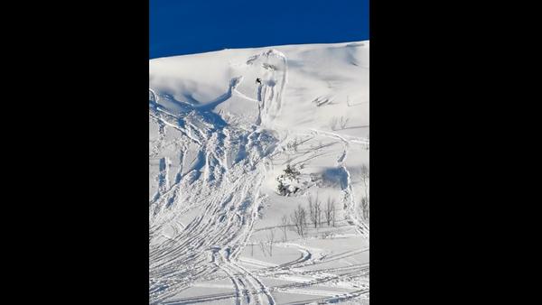 Snowfall: Botched Ascension Sends Snowmobile, Rider Tumbling Back Down - Sputnik International