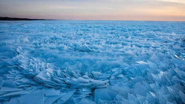 Michigan Lake full of icy shards - Sputnik International