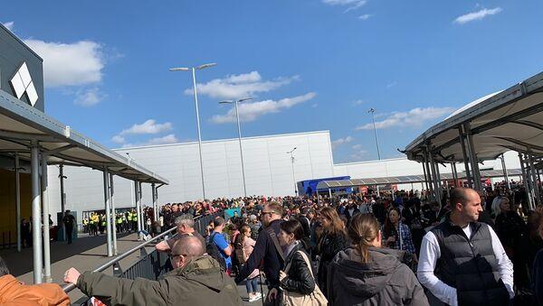 Evacuation in Luton airport, London - Sputnik International